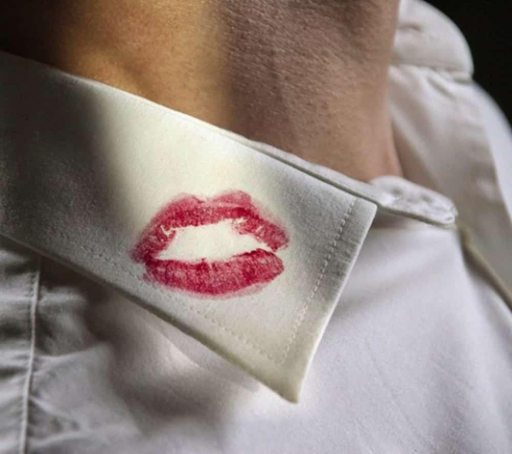 Dấu hiệu nhận biết chồng vừa quan hệ xong