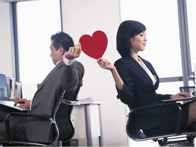 Chồng ngoại tình với đồng nghiệp