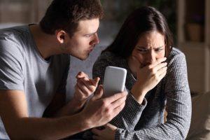 Phát hiện vợ ngoại tình qua tin nhắn