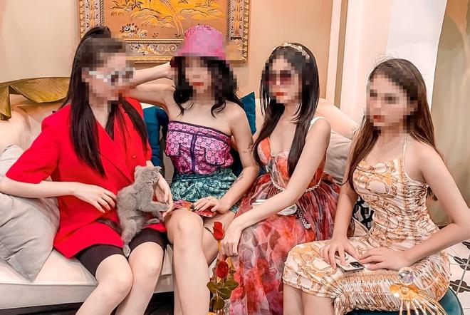 Những mẫu phụ nữ thích ngoại tình dễ nhận biết