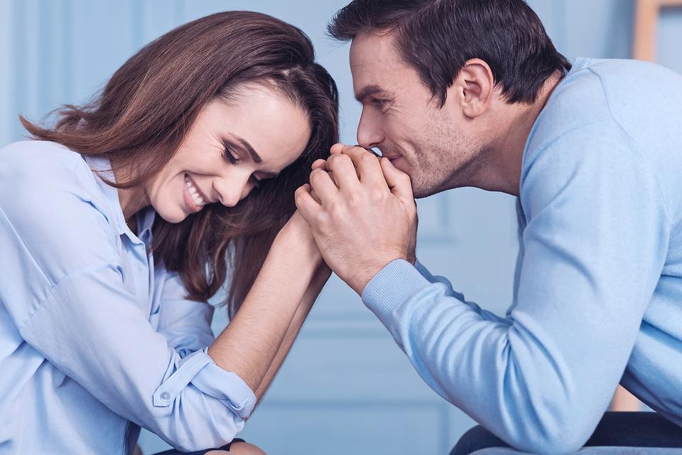 Biểu hiện của đàn ông khi yêu thật lòng một người phụ nữ